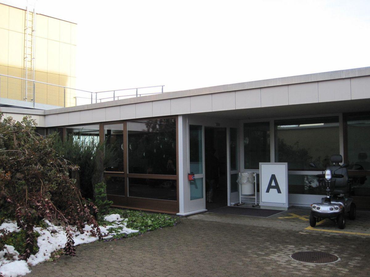 Hallenbad IWAZ Haupteingang