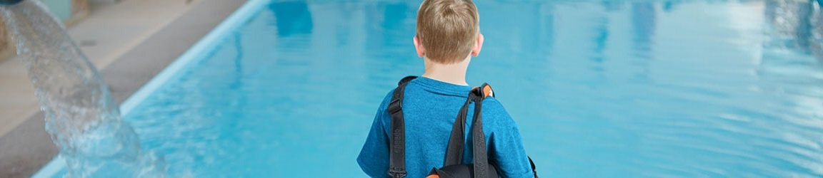 Kind Tasche Pool Schwimmbad