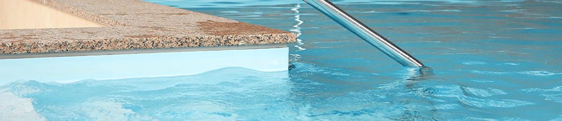 Swimmingpoolrand Schwimmbeckenrand